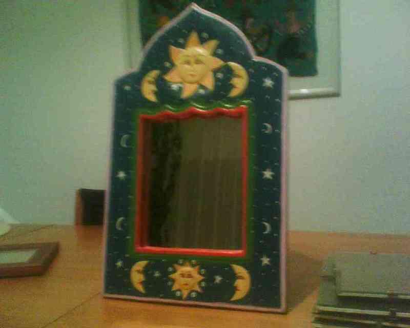 Espejo con marco azul