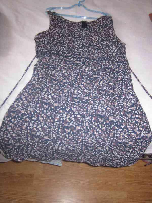 Otro vestido de flores reservado a vicky18