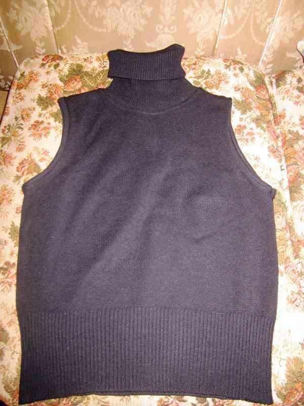 Chaleco con cuello negro (paumelajd)