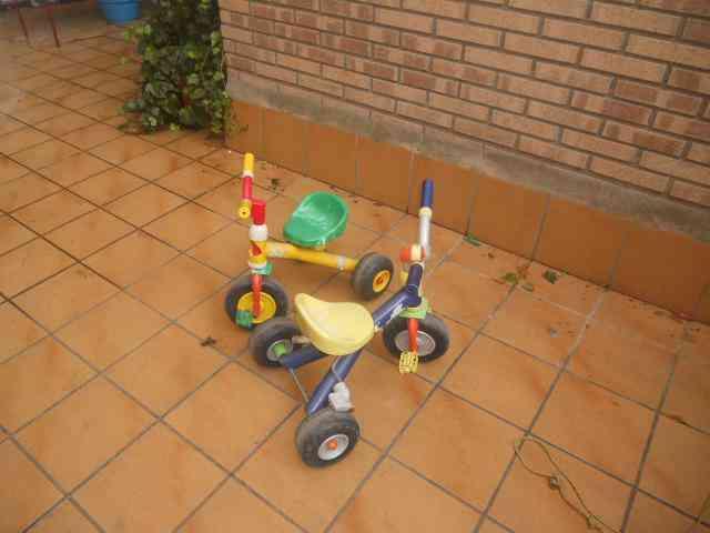 2 triciclos