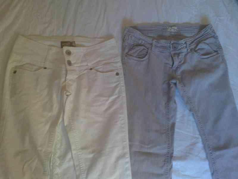 Dos pantalones reservado a lairene