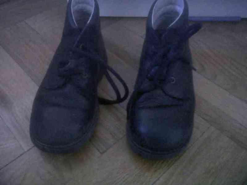 Botas negras talla 27