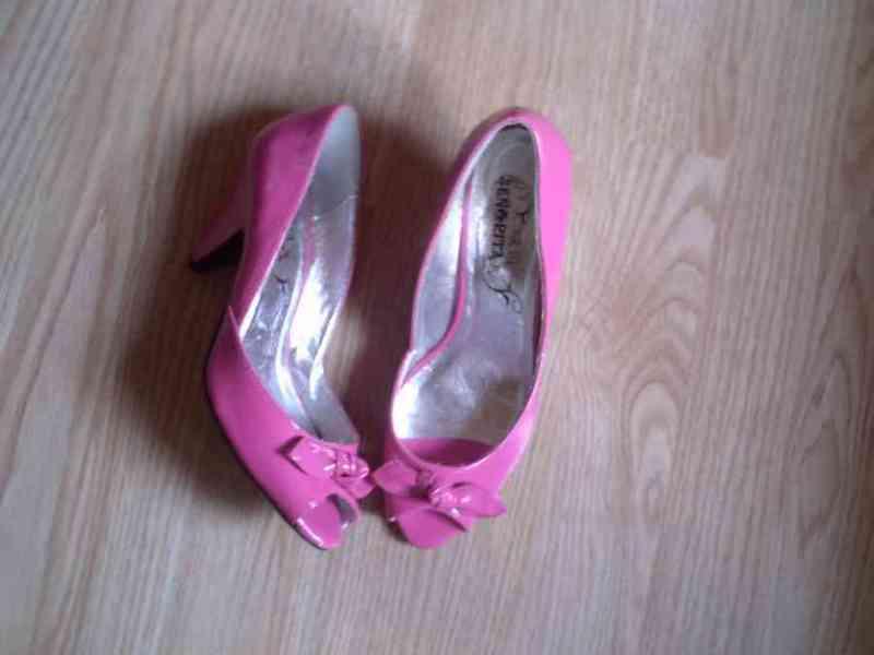 Zapatos rosas numero 37