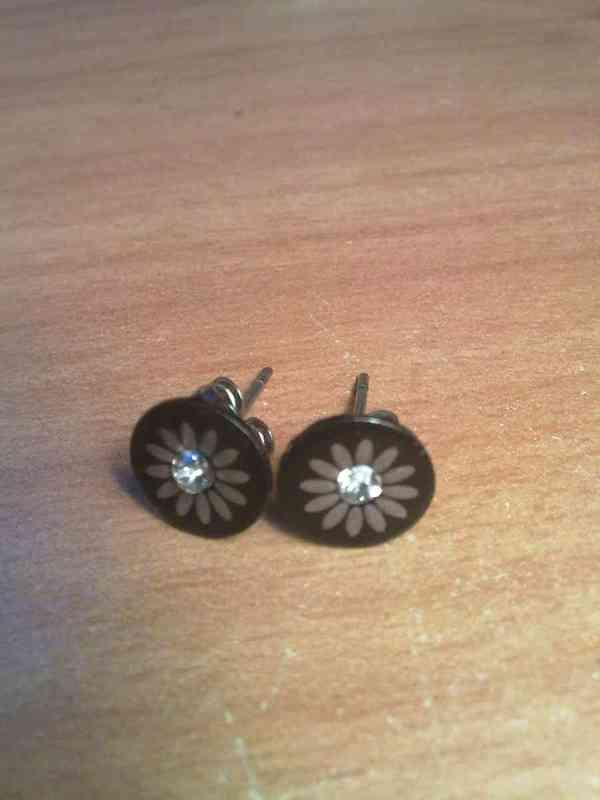Pendientes tipo boton con flor-elena88