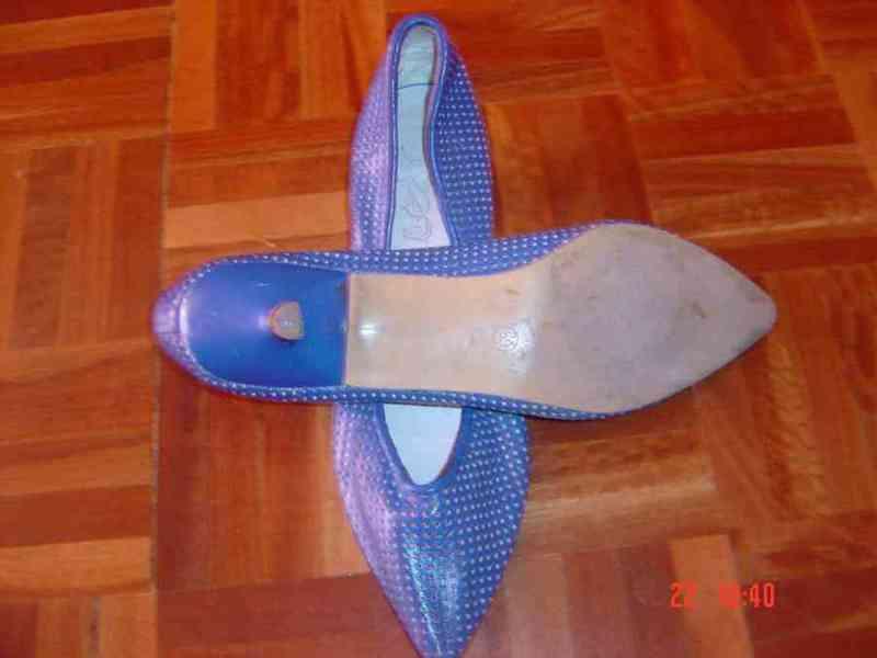Regalo sandalias azul klein