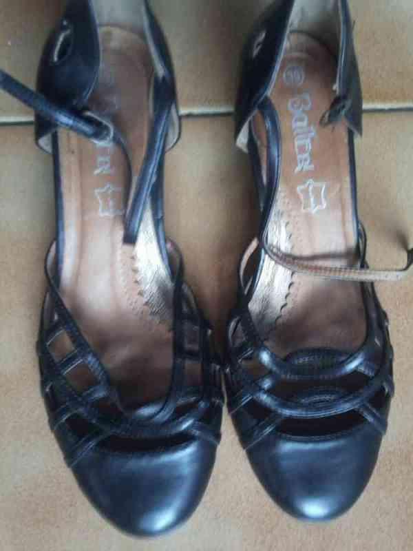 Zapatos normales(dado nuriaben)