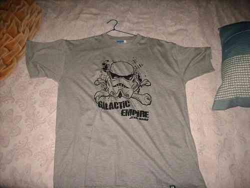 Camiseta con dibujo de star wars