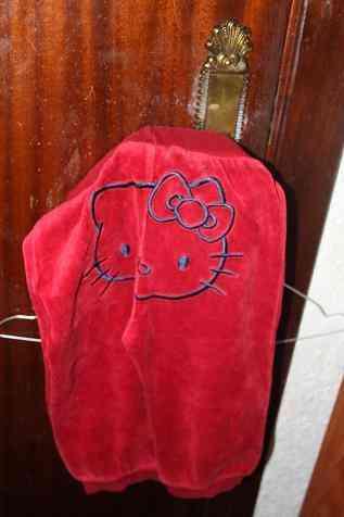 Pantalon chandal hello kity 2 años( fefi)