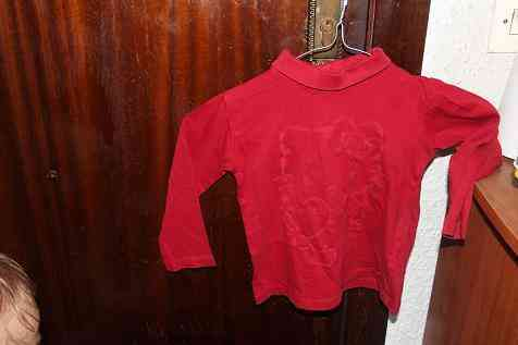 Camiseta roja 2 años hello kity(fefi)