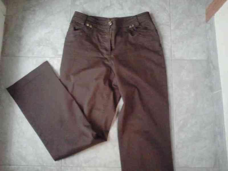 P8 - pantalon marron punto roma