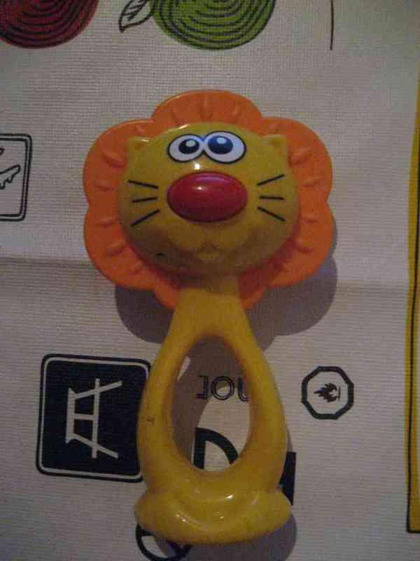 Sonajero leon
