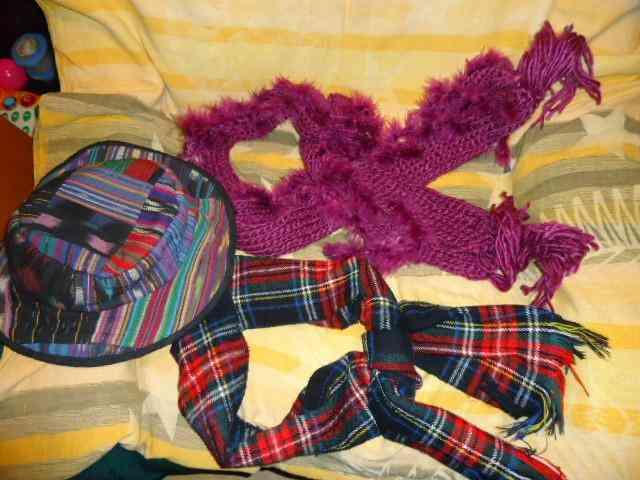 Sombrero y dos bufandas(luismóstoles)