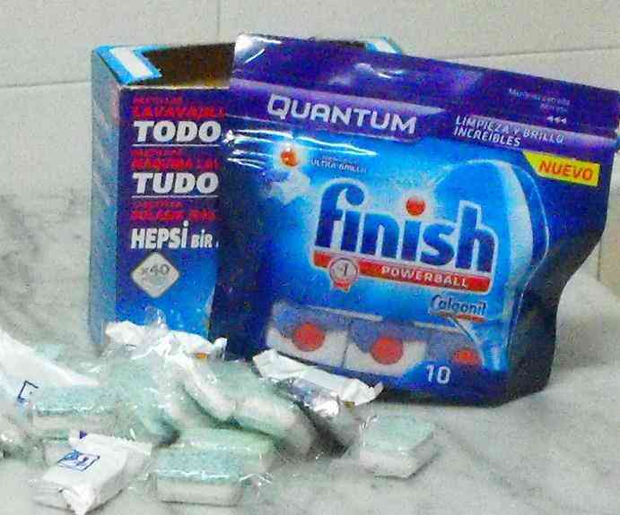 Monton de pastillas para lavavajillas-chavalier
