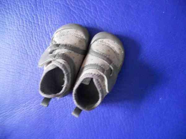 Zapatos bebe talla 19