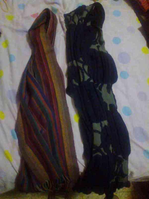 Regalo estas 2 bufandas