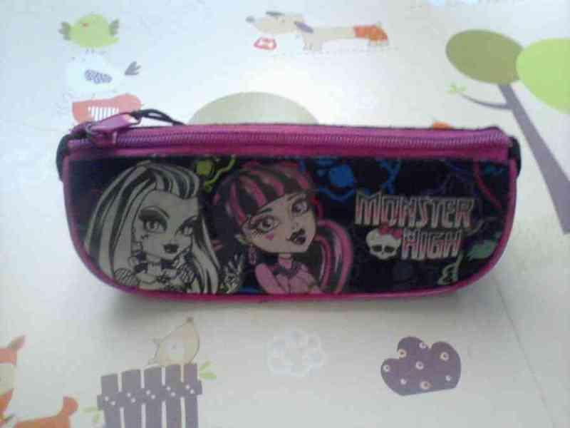 Estuche de las monster high
