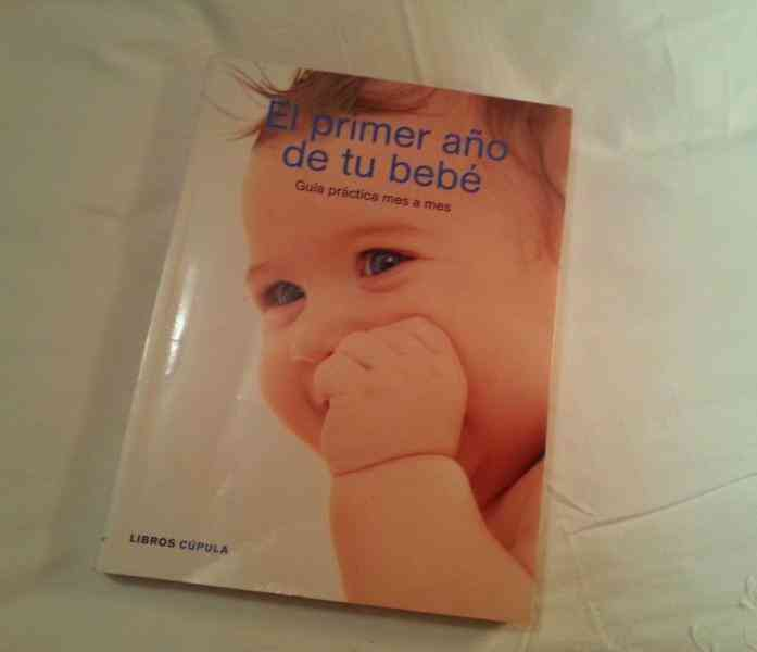 """Libro """"primer año de tu bebe"""""""
