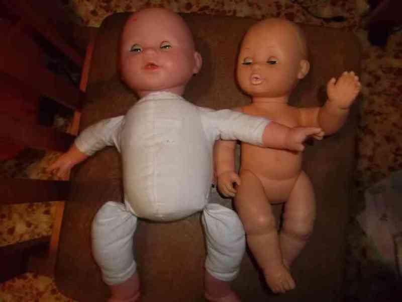 Muñecas ......