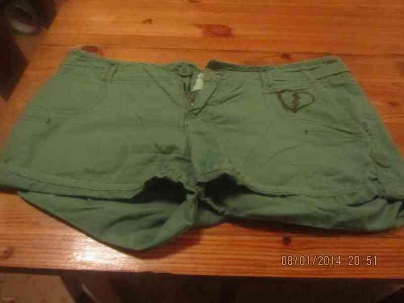 Pantalon corto verde( judith7529)