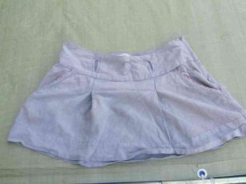 Falda grisácea.todo sirve