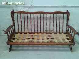 Sofa antiguo de madera
