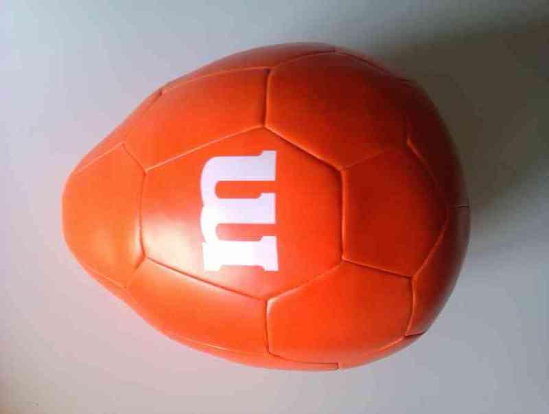 Cojín con forma de balón
