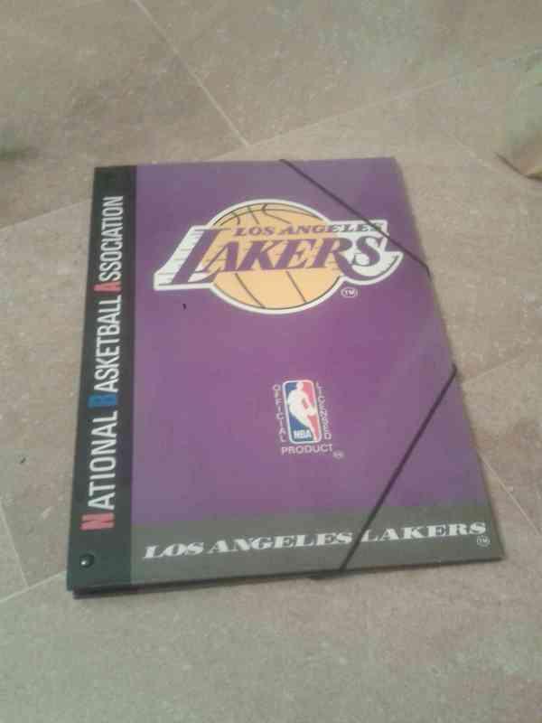 Regalo carpeta clasificadora (prácticamente nueva) Lakers