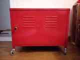 Armario Ikea ps rojo con ruedas