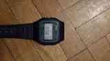 Reloj con hebilla rota.CASIO F91W