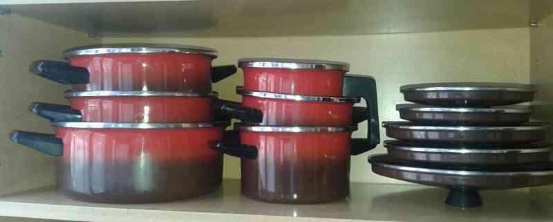 Regalp batería de cocina roja y negra