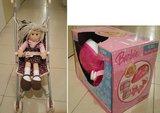 Juguetes de niña: patines Barbie y muñeca con carrito