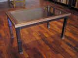 Mesa baja de madera con vidrio superior (a Woodi)