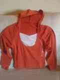 Camiseta m/l naranja con capucha