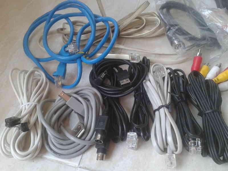 4 cables de red y otros de distintos tipos usb internet, de audio y video ,microfiltro etc
