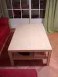 Mesa baja de salón. Casi nueva