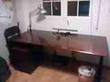 Mesa de escritorio con cajonera