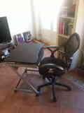 Mesa de ordenador con silla (Muy buen estado )