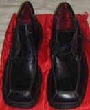 Zapatos de Hombre Negros, Talla 45.