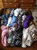 Regalo lote de bufandas.