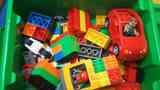 Caja con piezas de duplo-lego para niños de 2-6 años