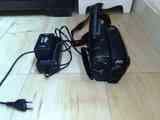 videocamara con cargador no se si funciona