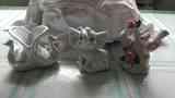Tres figuritas de porcelana de adorno