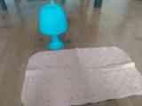 Lámpara y alfombra antideslizante
