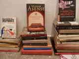 Pequeño lote de libros.