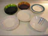 Platos hondos surtidos de vidrio y porcelana (a dyhavisai)
