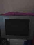 Regalo dos televisores en buenas condiciones y mas cosas