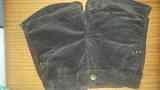 Pantalon corto de pana en color marrón