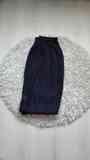 Pantalon negro gordito con algunas manchas. Talla XL(Laila)