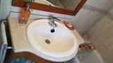 Sanitarios y mampara de baño