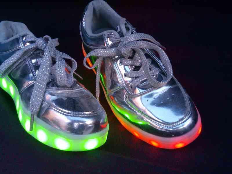 Zapatos con luces talla 37